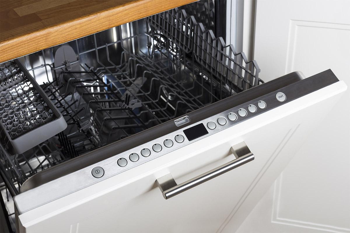 Nettoyer un lave-vaisselle