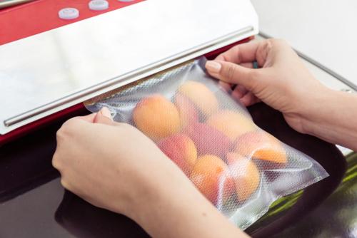 Mise sous vide d'abricots